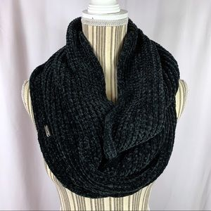 Calvin Klein Soft & Cozy Chenille Infinity Scarf